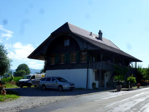 Haus-mit-Holz-heizen-LG.jpg