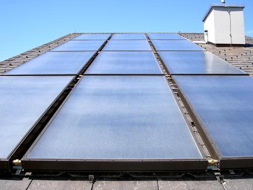 Kollektorfeld-auf-Dach-LG.jpg