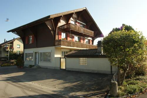 Haus-mit-LW-Waermepumpe-LG.jpg