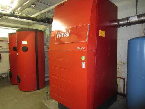 Technikzentrale-mit-Oelheizung-HOVAL-LG.jpg