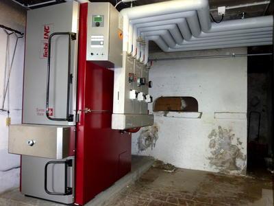Stückholzheizung Holzvergaser mit Speicher Liebi Heizung