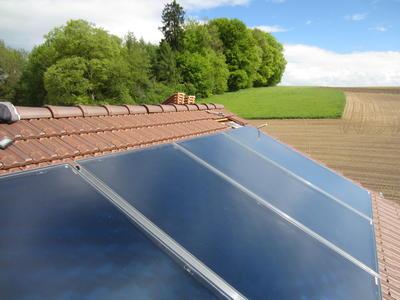 thermische Aufdach-Solaranlage